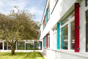 RTW Architekten AL Schule Aussenraum 4 295x200
