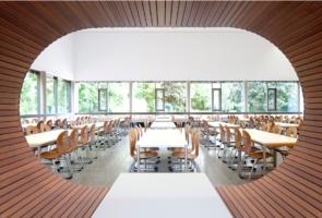 RTW Architekten WDT Humboldschule Mensa Durchblick 295x200