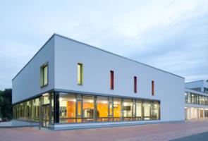 RTW Architekten WDT Humboldschule Mensa Front 295x200