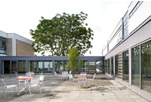 RTW Architekten WDT Humboldschule Sitzplatz 295x200